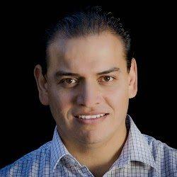 Azael Meza Portrait-250